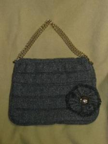 Tweed bag with brooch