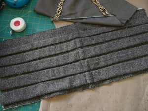 Tweed handbag preparations